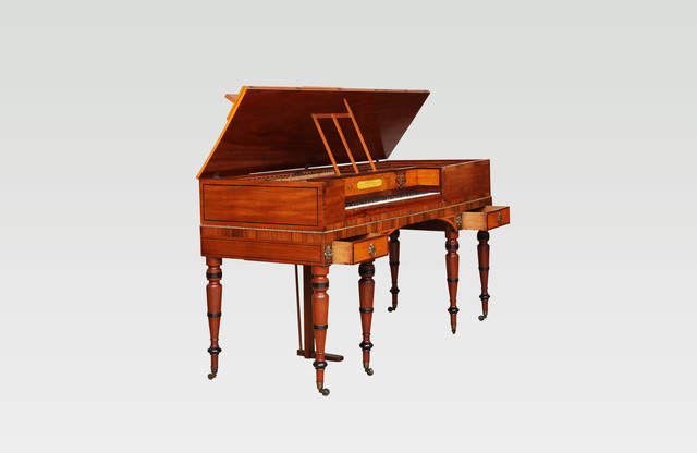 Antique fortepiano by George