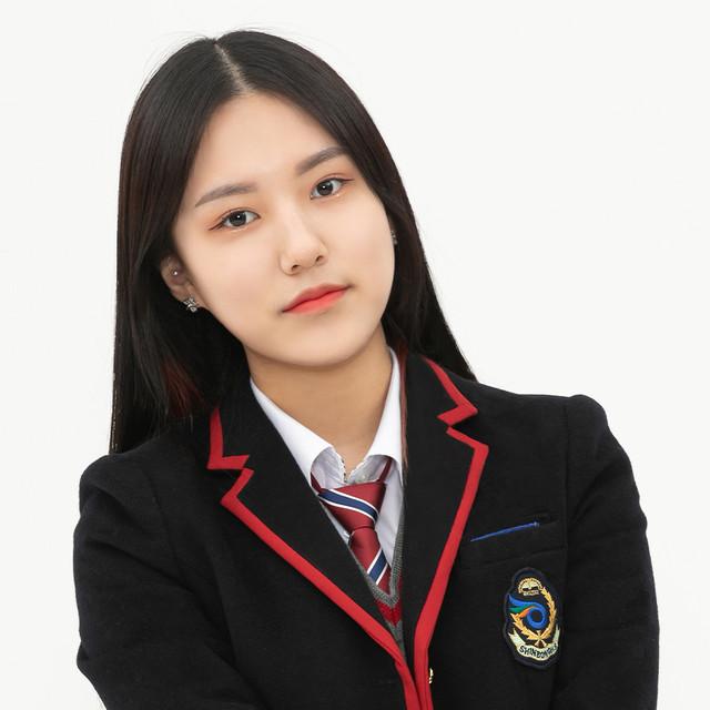 Nayeon (18)