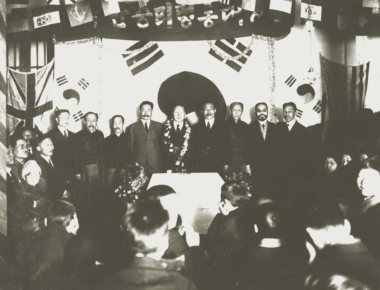 상해임시정부에 부임하는 이승만대통령 환영식(1920)