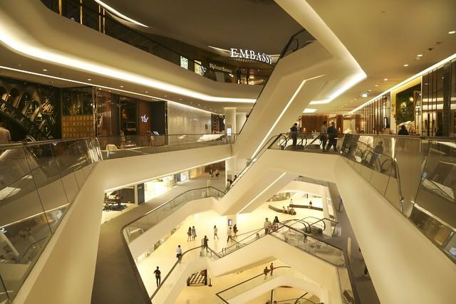 <h5>판매시설</h5><br>백화점, 잡화점, 상가, 개인 샵 등