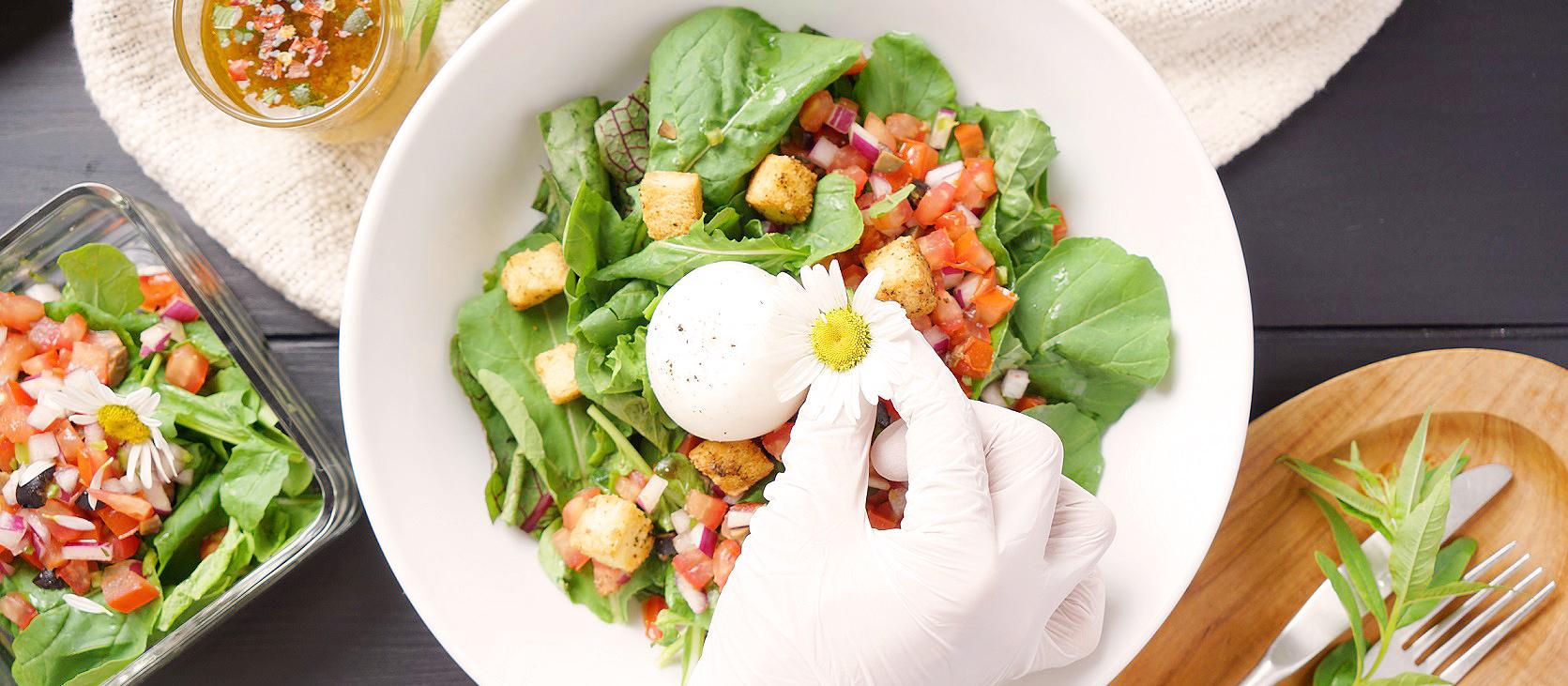 허브와 꽃을 요리에 넣어보세요. 맛과 건강이 달라집니다.