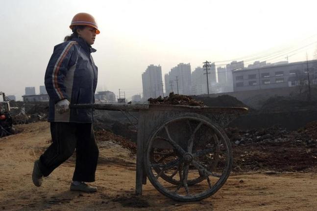 중국 농민공, 2008년 이후 첫 감소…코로나·노령화