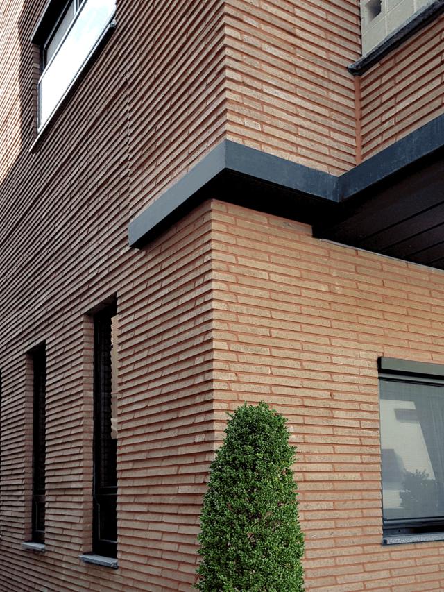 "<p style=""text-align:right""><b>Design Brick</b><br>D100, 브라운20, 390x50x90, 대구 유성구</p>"