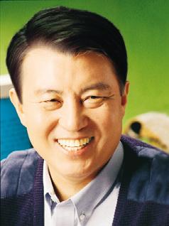 세계한인상공인총연합회 이사장 김 덕 룡