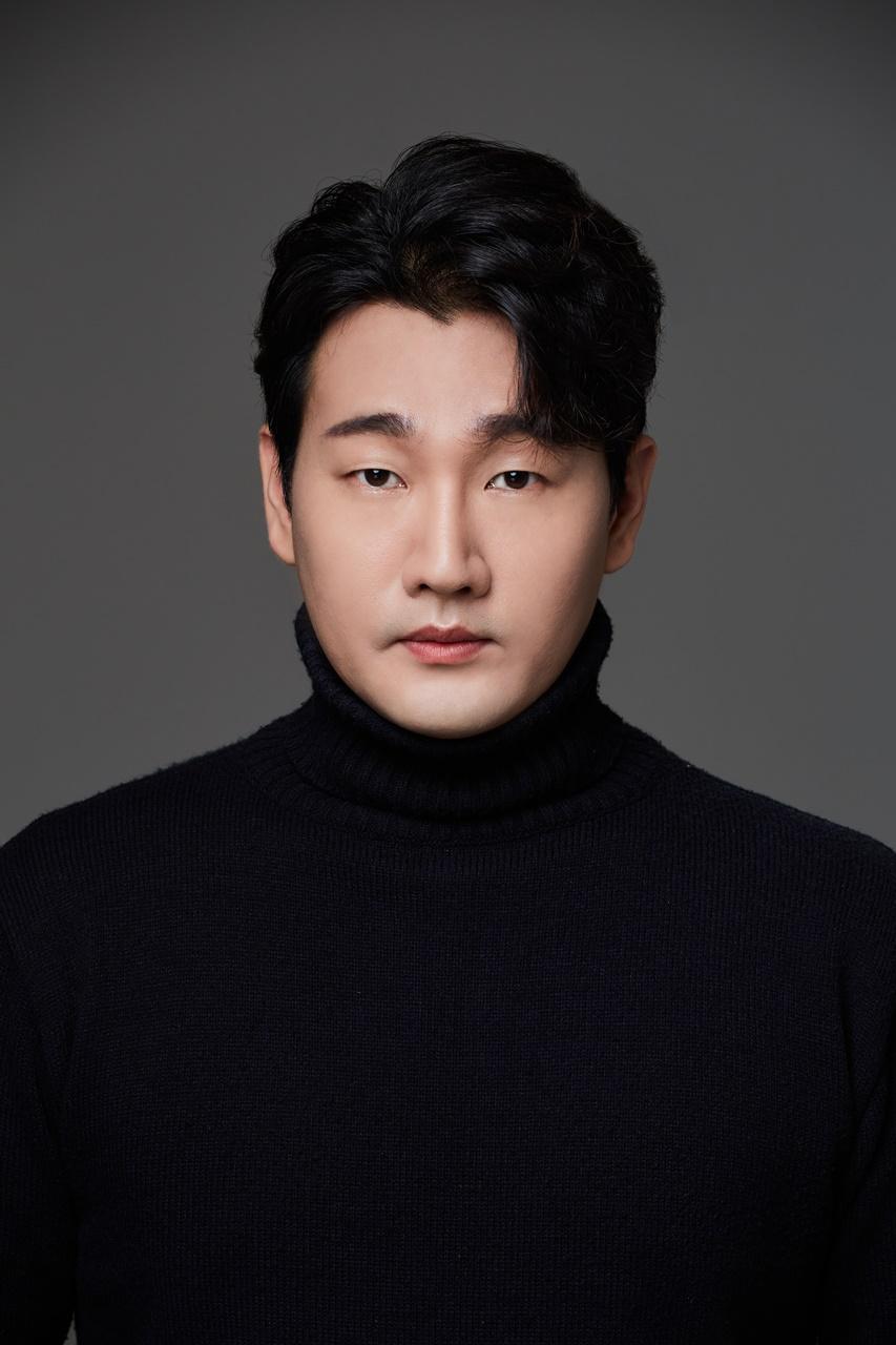<b>정진우<br>Jung Jin Woo</b>