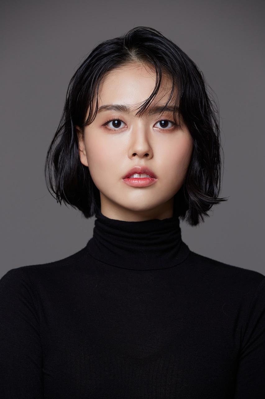 <b>김혜지<br>Kim Hye Ji</b>