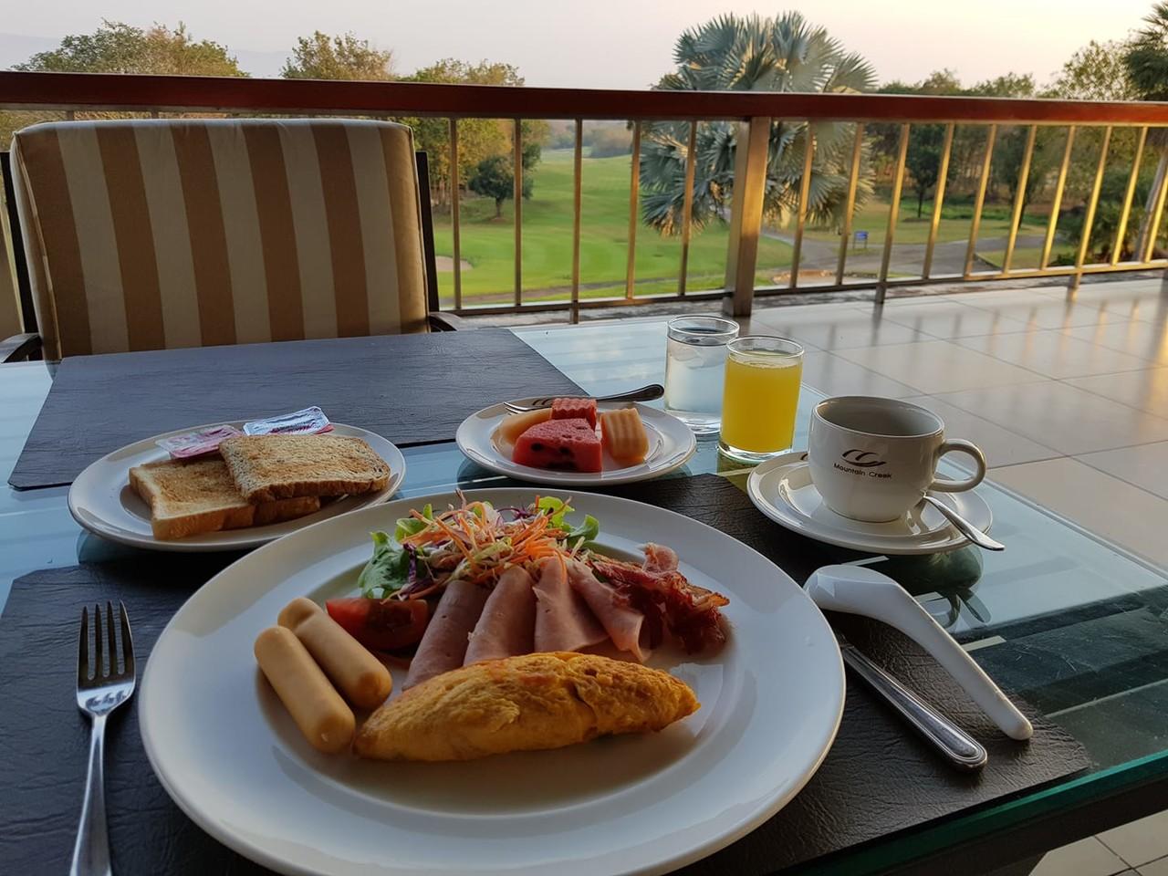 <b>때로는 나 홀로 아침 식사도 즐겨 보시구요</b>