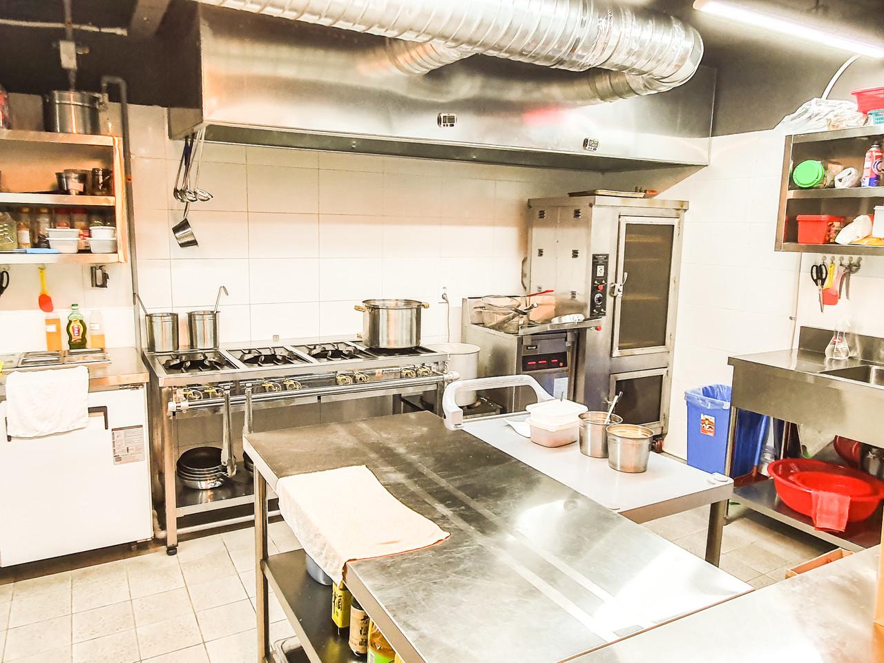 저희 공유주방에서는 최적의 주방동선을 제공합니다. 직접 방문하여 점주님의 업종에 맞는 주방을 커스터마이징 해보세요. 저희가 도와드리겠습니다.