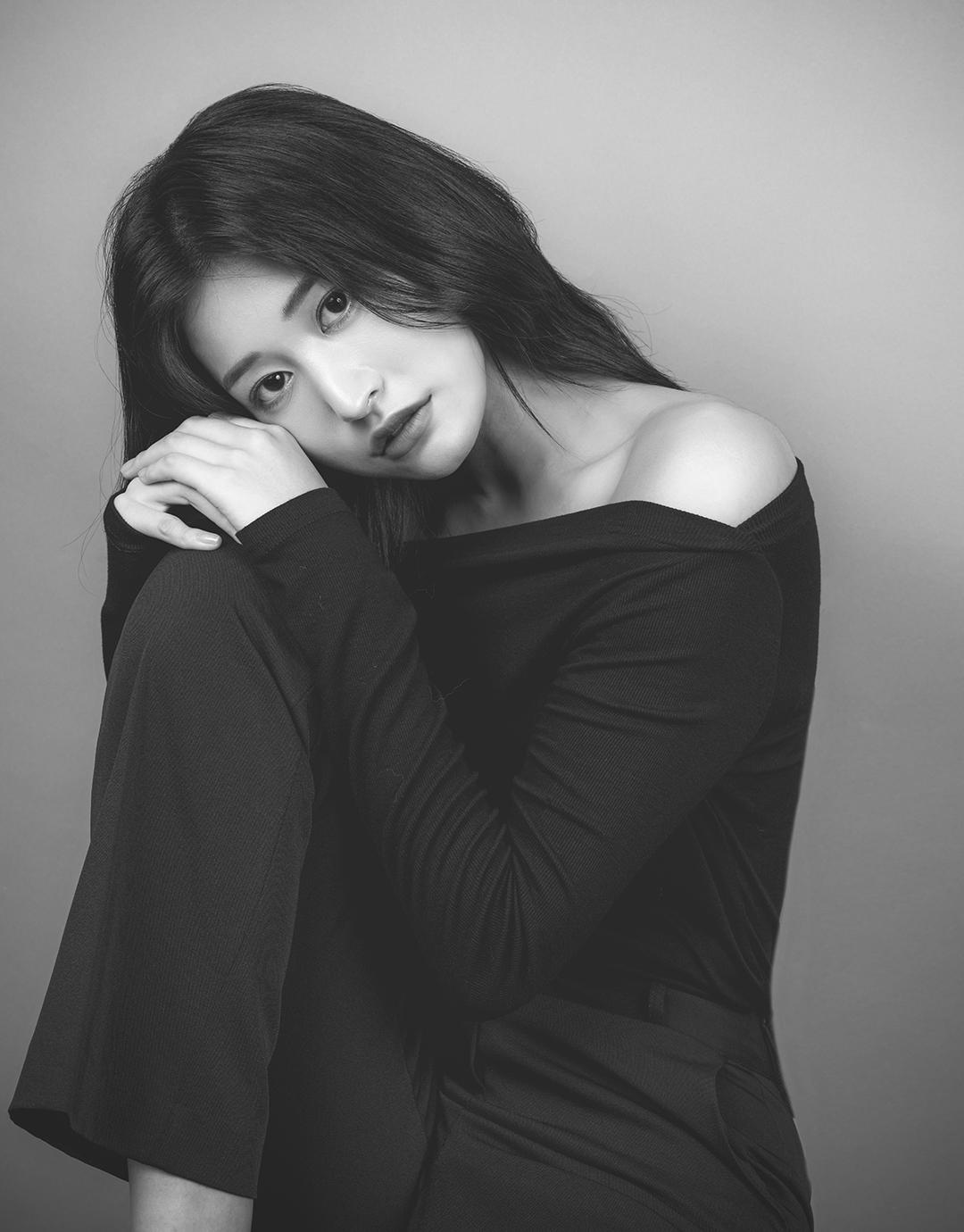 <br><h4>B&W</h4> 50,000 won
