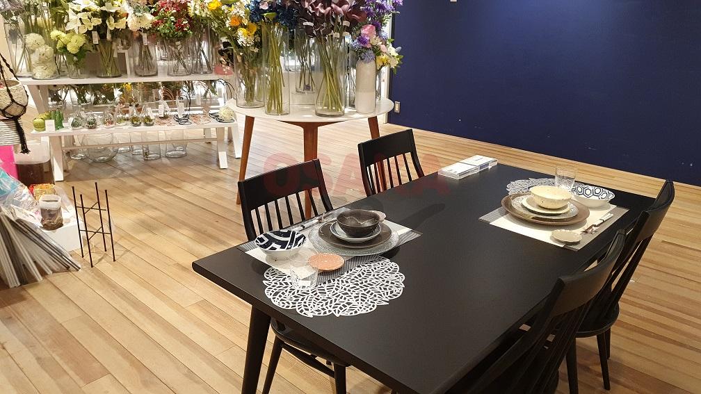깔끔한 테이블 접시세트