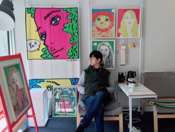 서울 용산구 이태원동 '아씨이태원(Artsy Itaewon)'에서. 릭 킴은 2019년 12월부터 2020년 5월까지 6개월간 예술가의 작업실 겸 커뮤니티 공간에 대한 실험을 진행했다.
