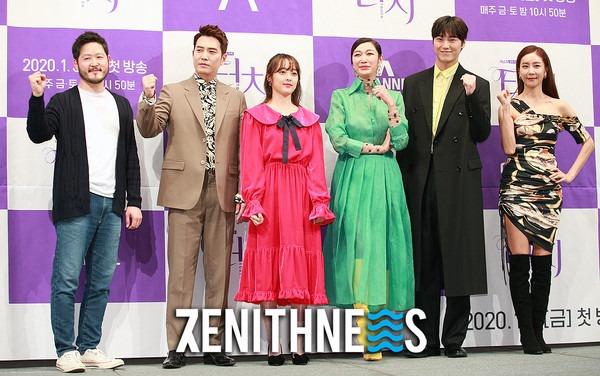 ▲ '터치' 한다감-변정수 '모델 뺨치는 우월한 기럭지' (사진=문찬희 기자)