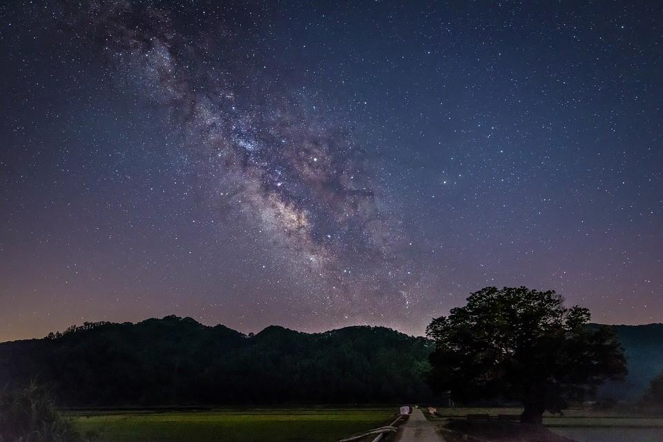"""""""그 꿈같은 별하늘""""을 다시 보여주어서 고마웠노라고"""