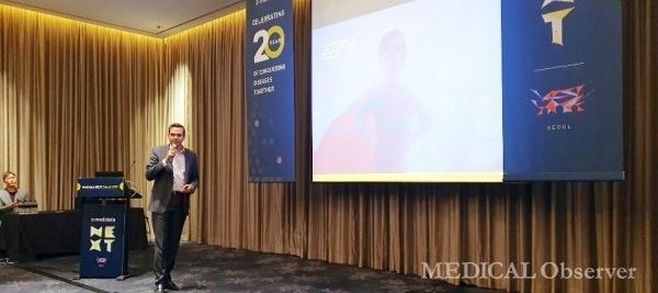 메디데이터는 9일 콘래드호텔에서 기자간담회를 열고 새롭게 설립한 생명과학 분야 AI 기업 '에이콘 AI'의 강점을 소개했다. 이날 간담회에 참석한 에이콘 AI 사스투리 치루쿠리 대표는 에이콘 AI의 4가지 솔루션을 소개했다.