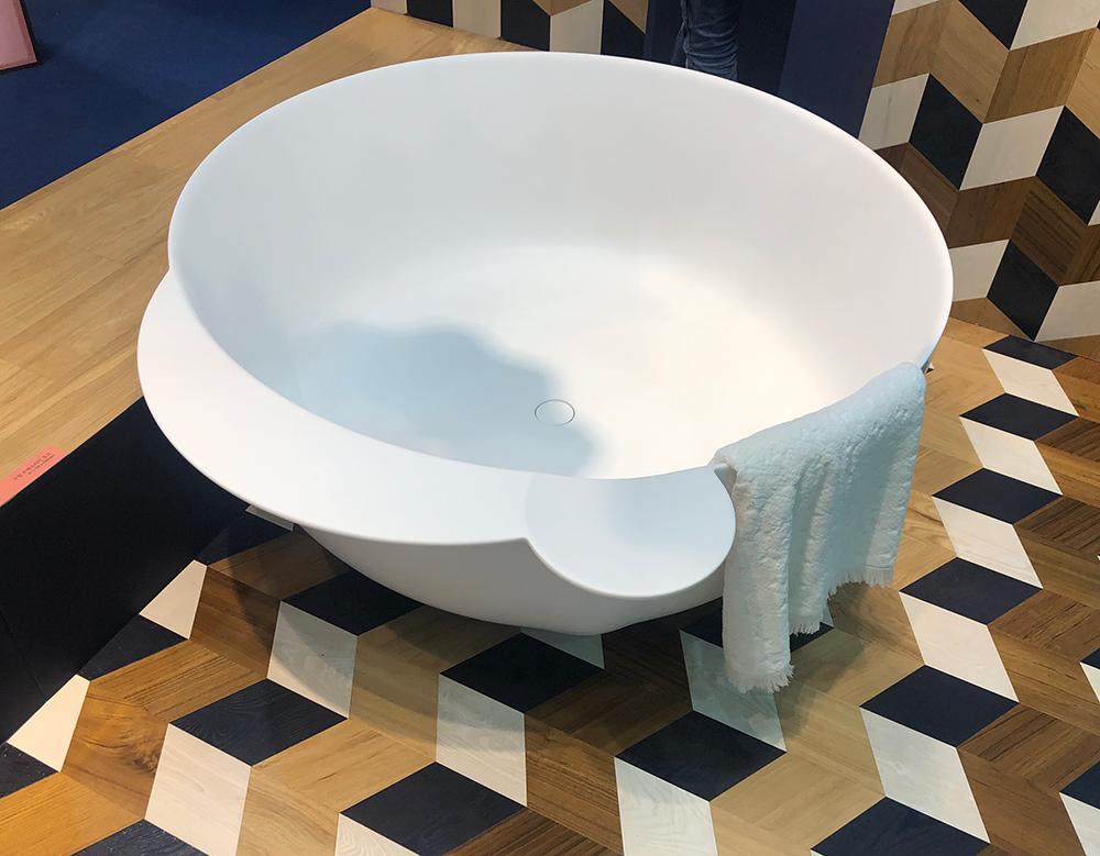 Bồn tắm Inoda ORBIS được trưng bày tại gian hàng Gujeongmaru của Tòa nhà Hàn Quốc 2019