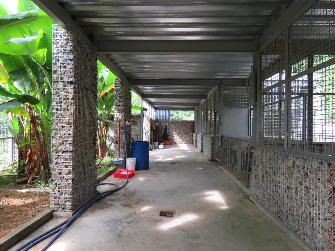 친환경적으로 지어진 베어하우스 내부