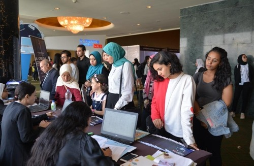 카이로에서 한국 '디지털 문화콘텐츠' 행사장을 찾은 이집트 시민들