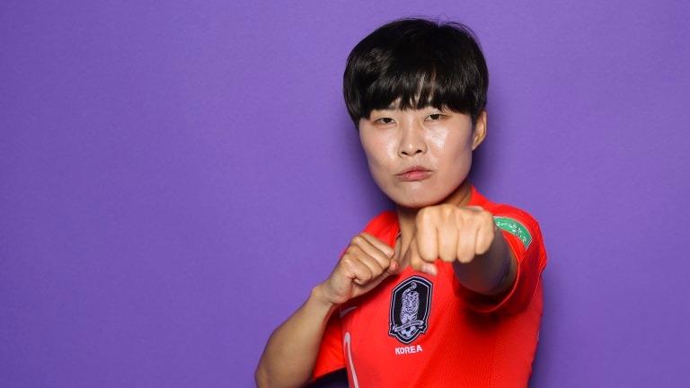 한국의 초상화를위한 포즈