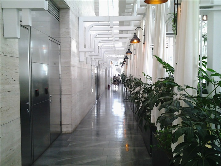 韩餐厅的通道