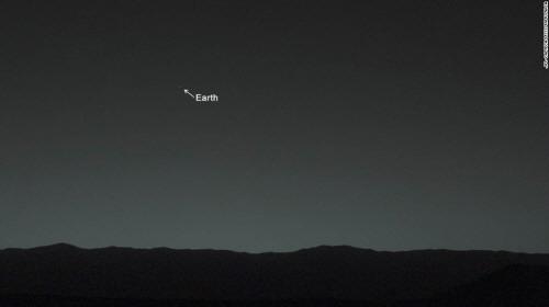 크기변환_140206164555-earth-from-mars-horizontal-large-gallery.jpg