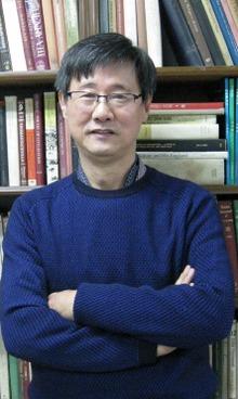 강내희 교수