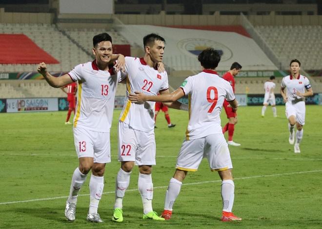 Tin mới nhất bóng đá sáng 11/10: Tiến Linh đánh bại SAO Trung Quốc đoạt giải của AFC - 1